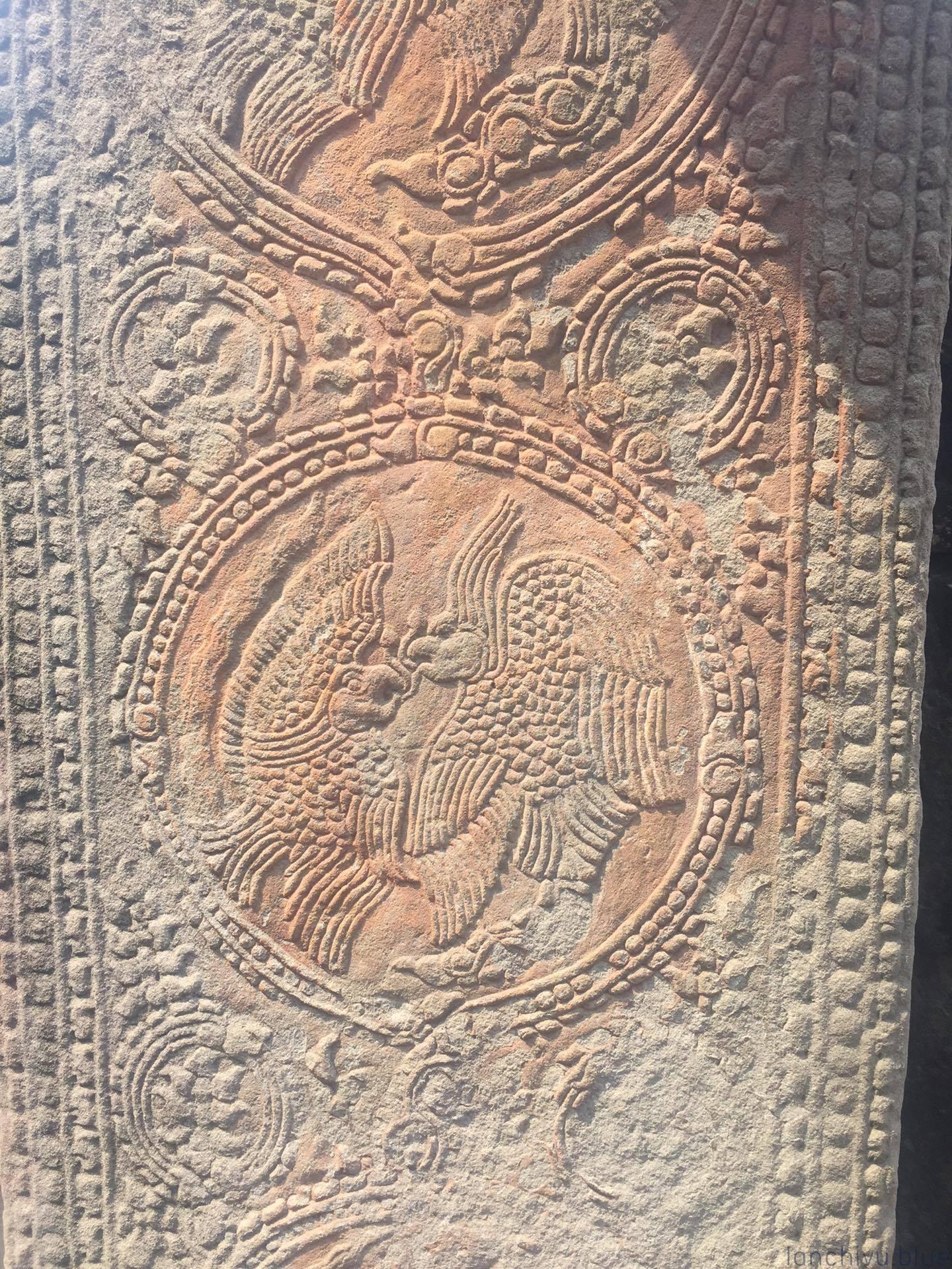 1 số họa tiết khắc trên tường còn được lưu giữ tới tận ngày nay
