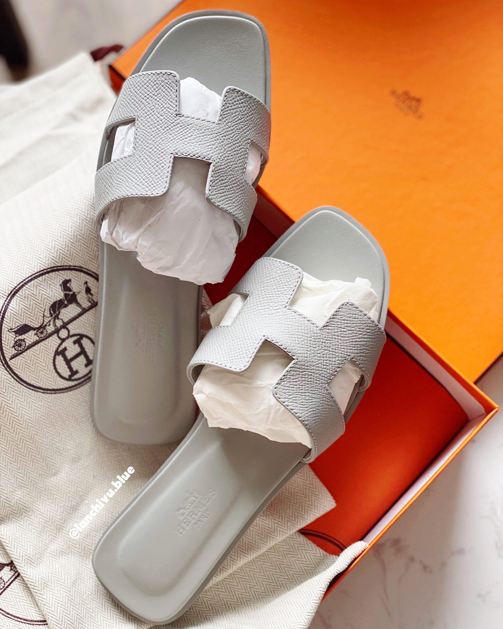 Oran sandals: Món đồ sẽ không bao giờ lỗi mốt trong tủ đồ của bạn.